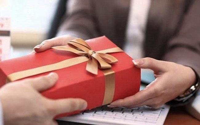 Gợi ý tặng quà sinh nhật cho đàn ông 40 tuổi