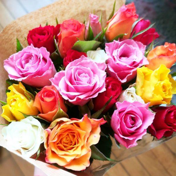 Nên tặng mẹ hoa hồng màu gì?
